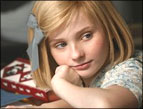 Abigail Breslin as Kit Kittredge