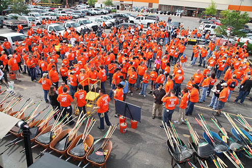 large group photo of Operation Blessing and The Home Depot volunteers